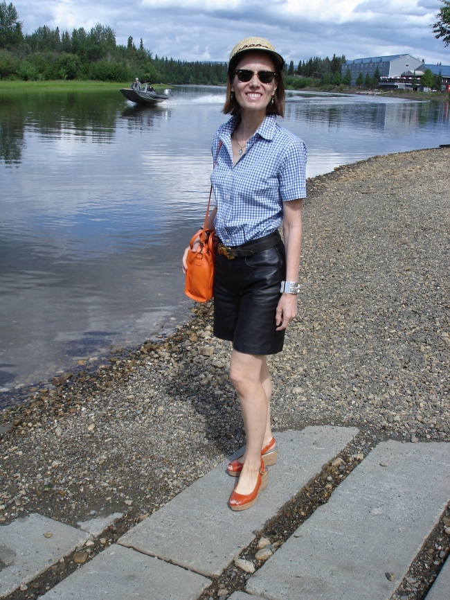 style over 40 mature weekend look with shorts