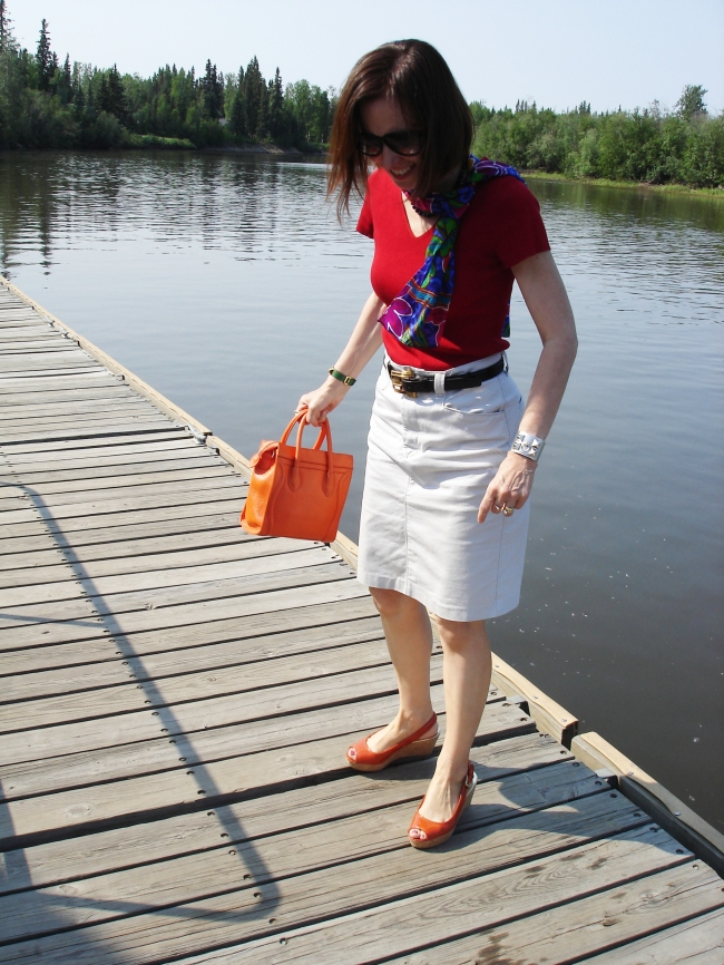 #fashionover40 Casual summer look with red and orange @ http://www.highlatitudestyle.com