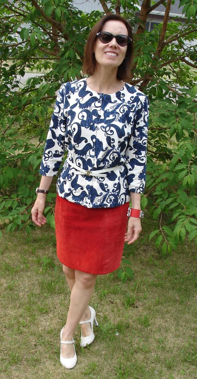 #fashionover40 woman in patriotic look