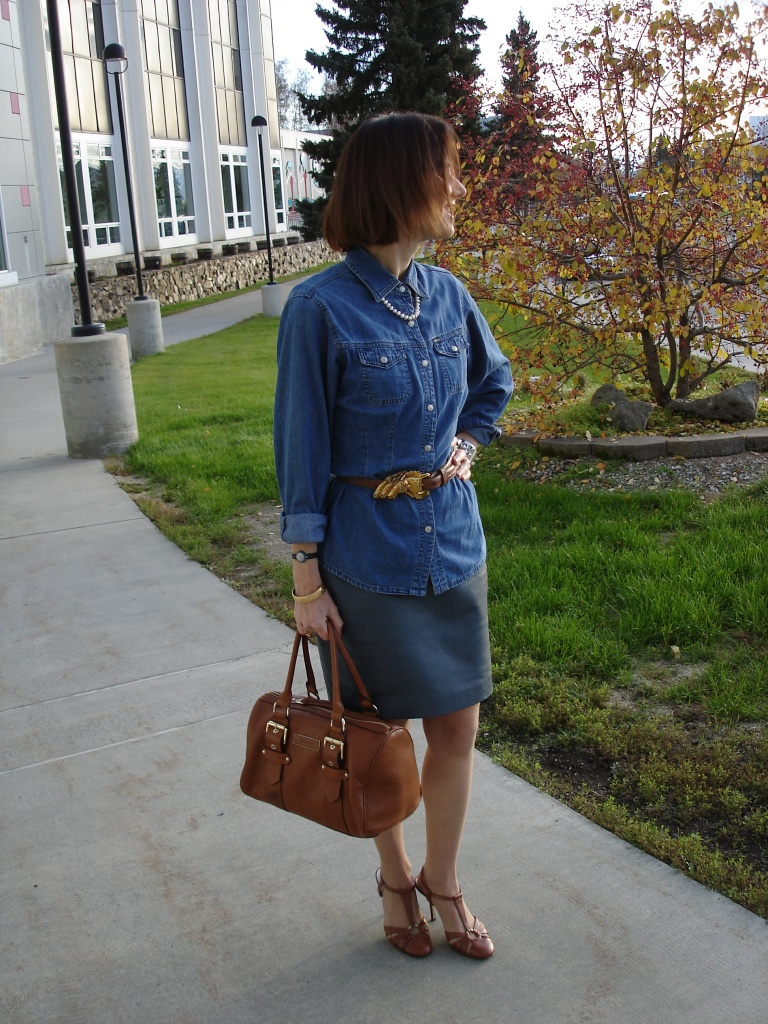 fashionover40 woman in monochromatic outfit