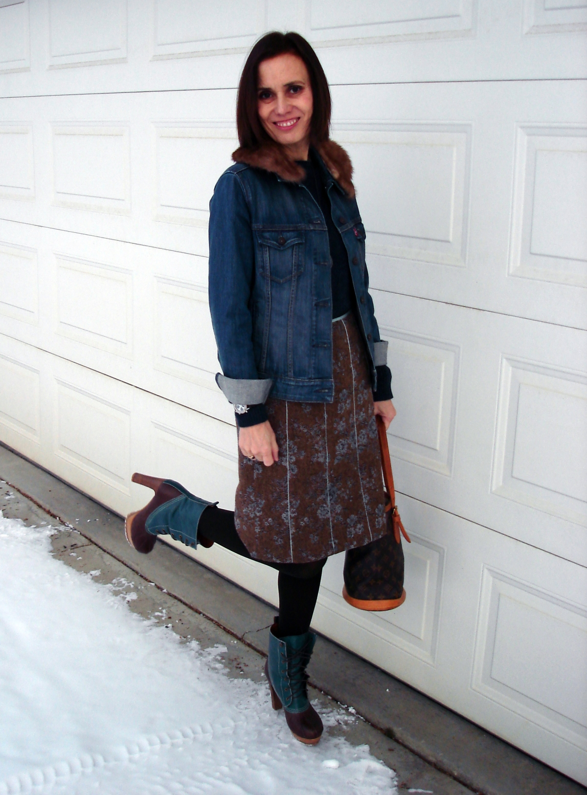 fashion over 40 woman in tweed skirt and denim jacket