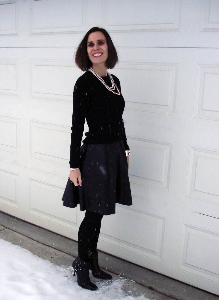 #turningfashionintostyle woman in all black outfit