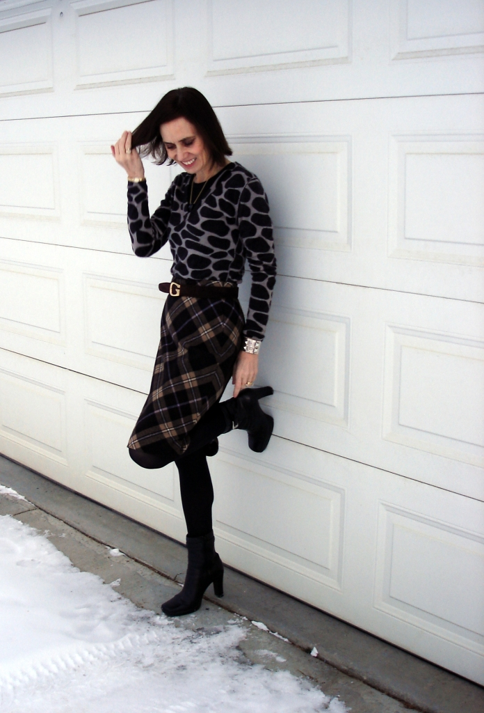 #over40 Mixing pattern in work outfit  | High Latitude Style | http://www.highlatitudestyle.com