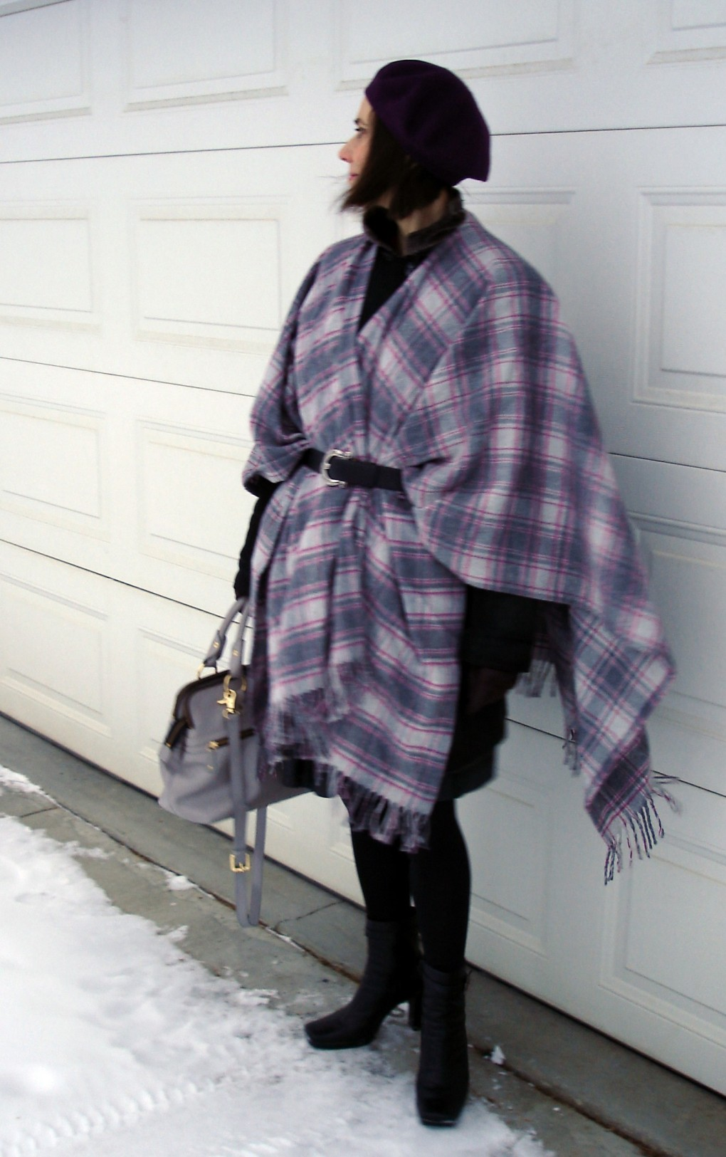 #matureStyle woman wearing a plaid scarf