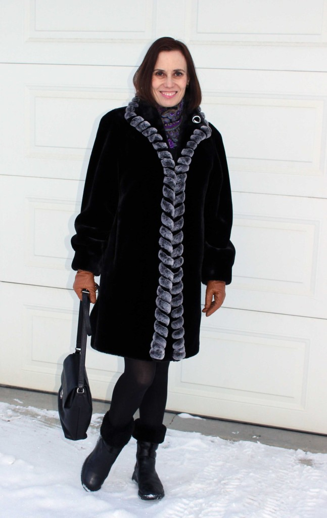 fashionover40 Mature woman in winter look