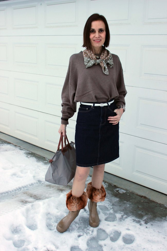 #Top-of-the-Boot #casual #over-40-fashion http://www.highlatitudestyle.com Mature woman in casual look