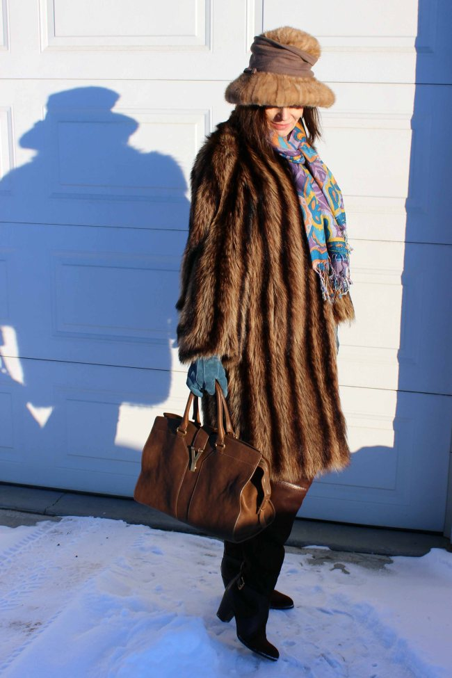 #fashionover40 mature woman in winter outfit with over-the-knee boots