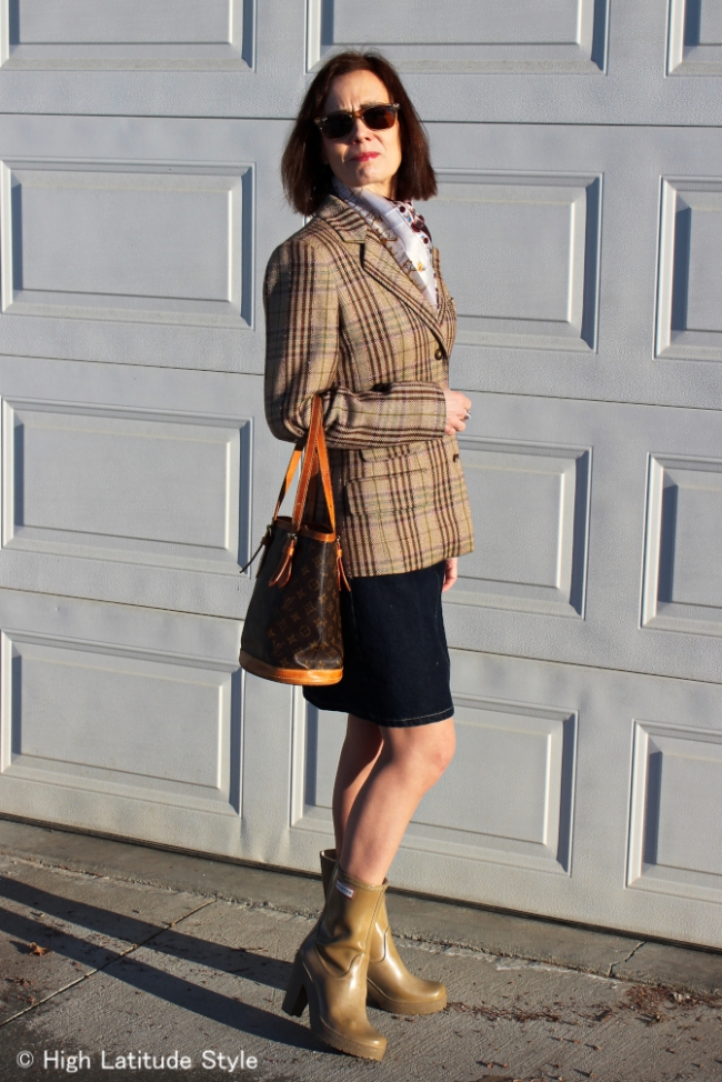 #over40fashion woman in spring outfit