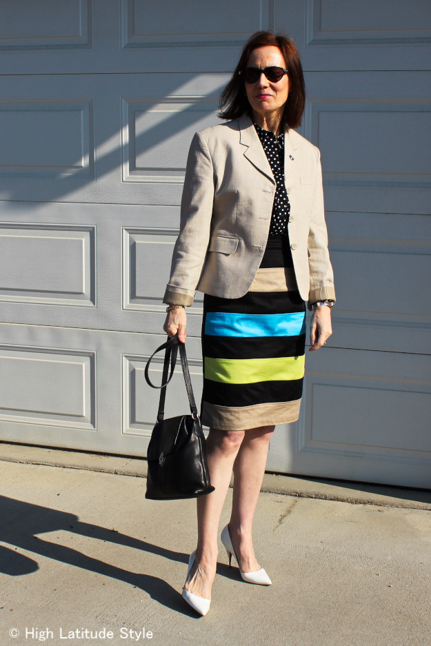 advanced style woman in business casual look