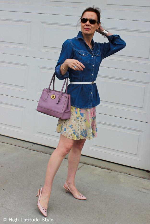 #pastelfloralskirt #chambrayshirt #chanelbelt #coachbag http://www.highlatitudestyle.com