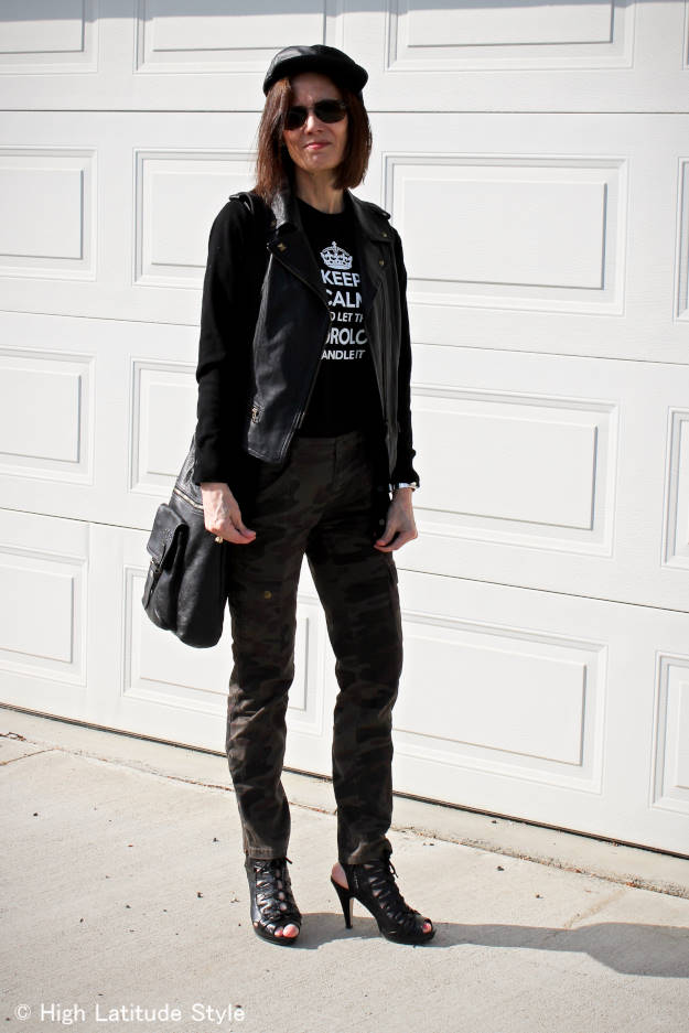 #fashionover50 woman in cargo pants