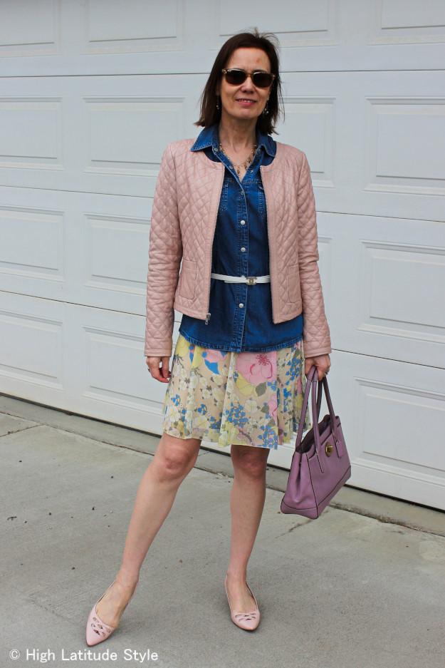 #quiltedleatherjacket #pinkleatherjacket  #streetstyle #pastelfloralskirt #chambrayshirt #chanelbelt #coachbag http://www.highlatitudestyle.com
