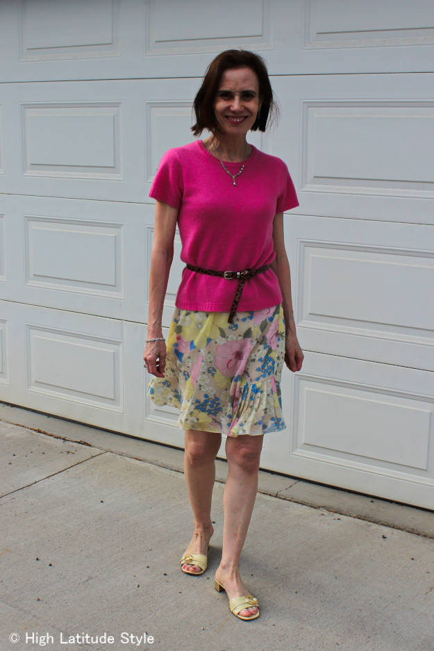 #fashionover40 woman in floral skirt