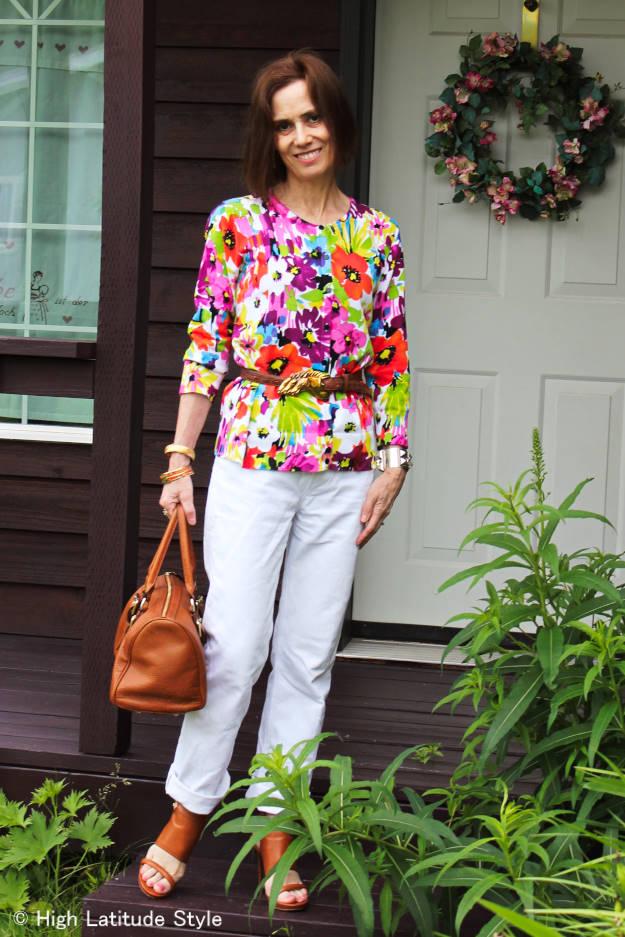 #HighLatitudeStyle #floralCardigan #whiteBFjeans #KateMossForLonchampBag #MichaelKorsHeels #KieselsteinCordBelt