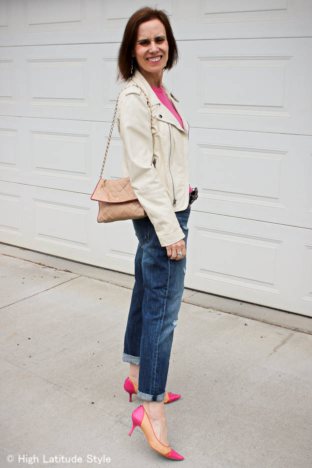 #whiteMotorcycleLeatherJacket #rippedBFjeans #pointyToePumps #pinkSweater