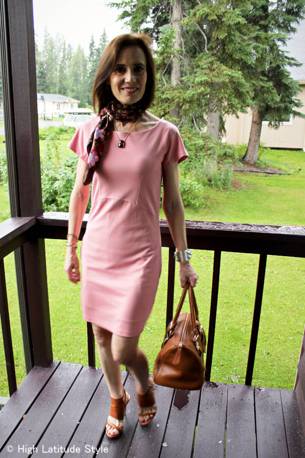 #over40 #LookbookStore #LookbookStoreBabyPinkDress #HighLatitudeStyle #workOutfit http://www.highlatitudestyle.com