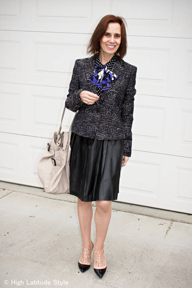 fashion over 40 woman in black and white work outfit