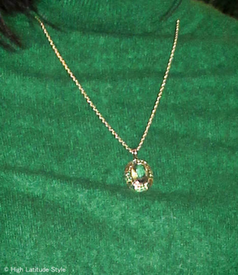 #jewelryover40 green quartz pendant necklace