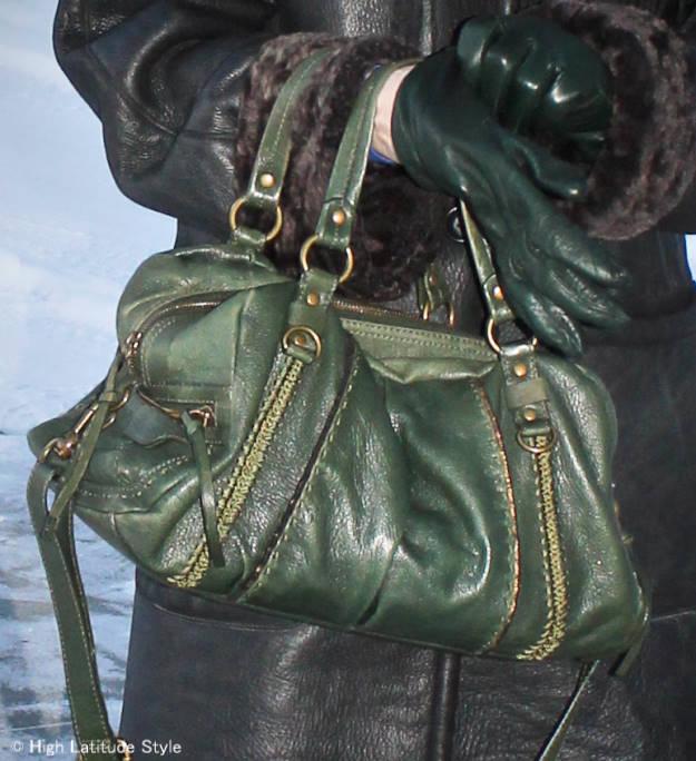 Zoom-in on SAK green hoho bag (own)