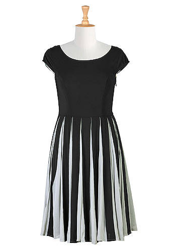 #over40and50fashion Spring trend black and white | High Latitude Style | http://www.highlatitudestyle.com