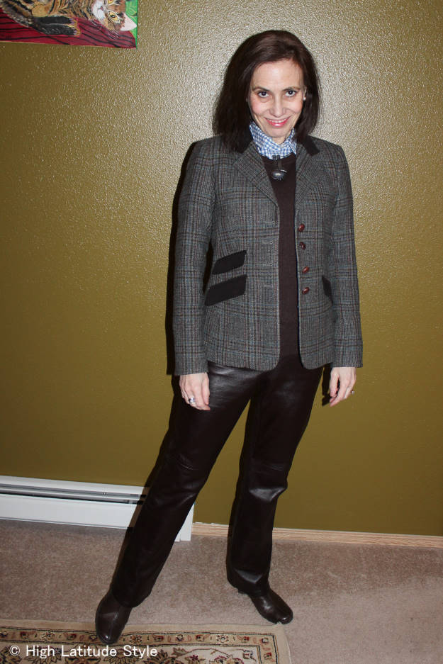 #over40fashion St. Patricks Day outfit tips: Irish blazer with leather pants | http://wp.me/p3FTnC-32x