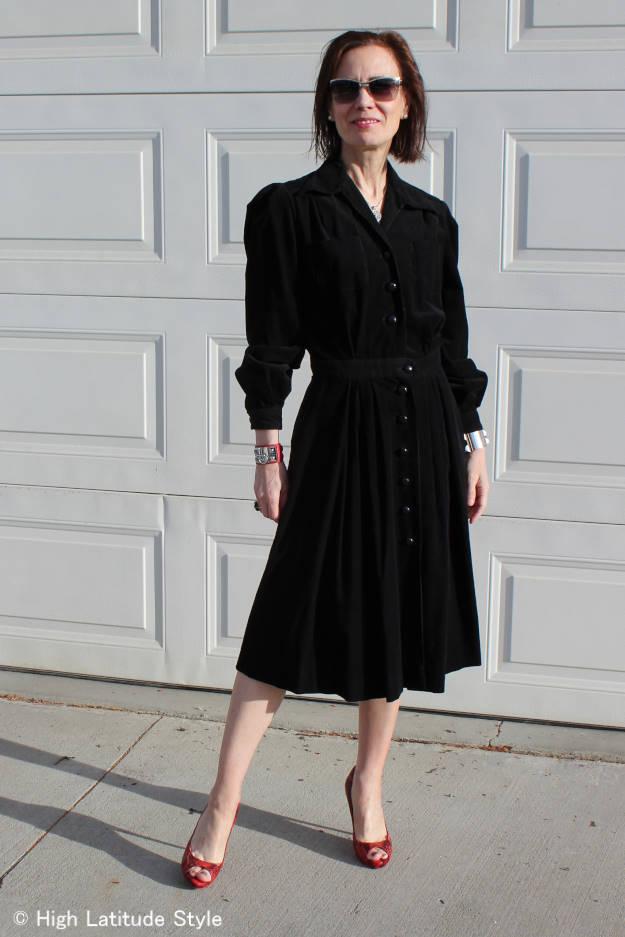 fashion over 40 woman in retro dress