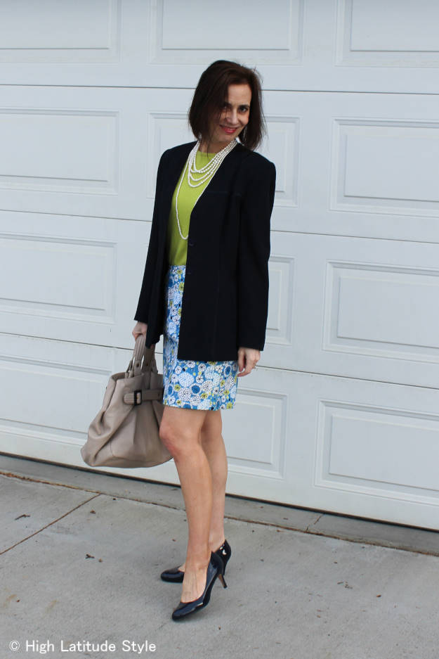 #over50fashion amture woman in printed skirt with blazer work outfit