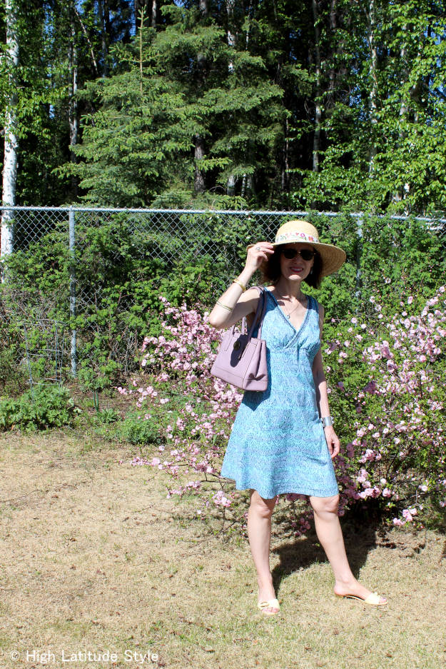 maturefashion how 2 wear hats: straw hat
