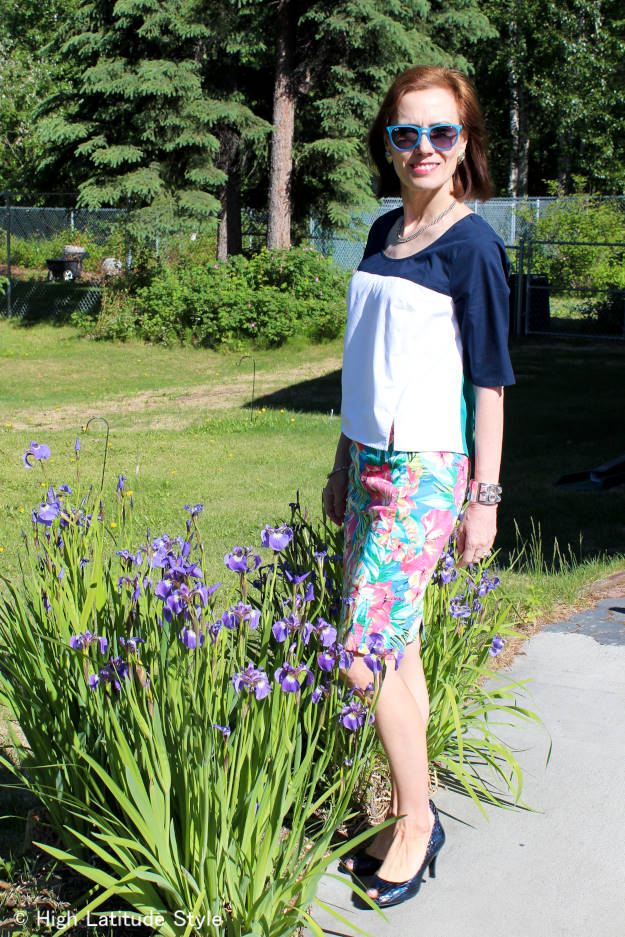 #fashionover40 #floralprintover50 mature summer look with floral print skirt
