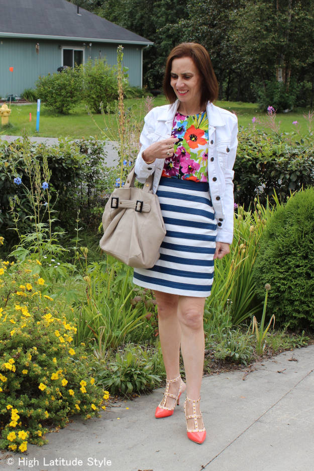 #fashionover40 #fashionover50 The best outfits of August - front view of OOTD @ High Latitude Style @ http://www.highlatitudestyle.com