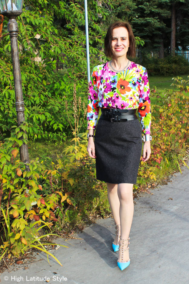 #styleover40 amture woman in fall work outfit with tweed skirt and colorful top