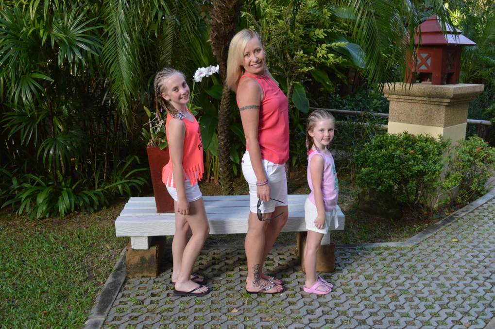 Allison with her mini fashionistas in tow. Photo from: Sydney Fashion Hunter