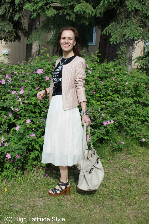 #maturestyle What to wear on Father's Day - example outfit in neutral colors for mature women