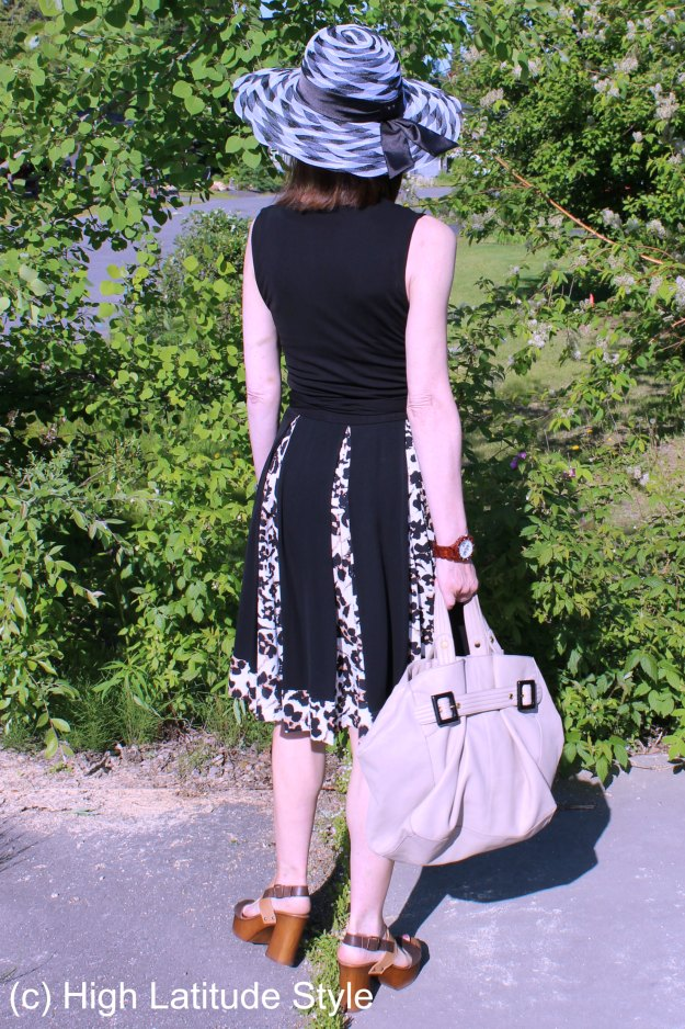 #fashionover50 mature woman in summer outfit @ http://wp.me/p3FTnC-41U