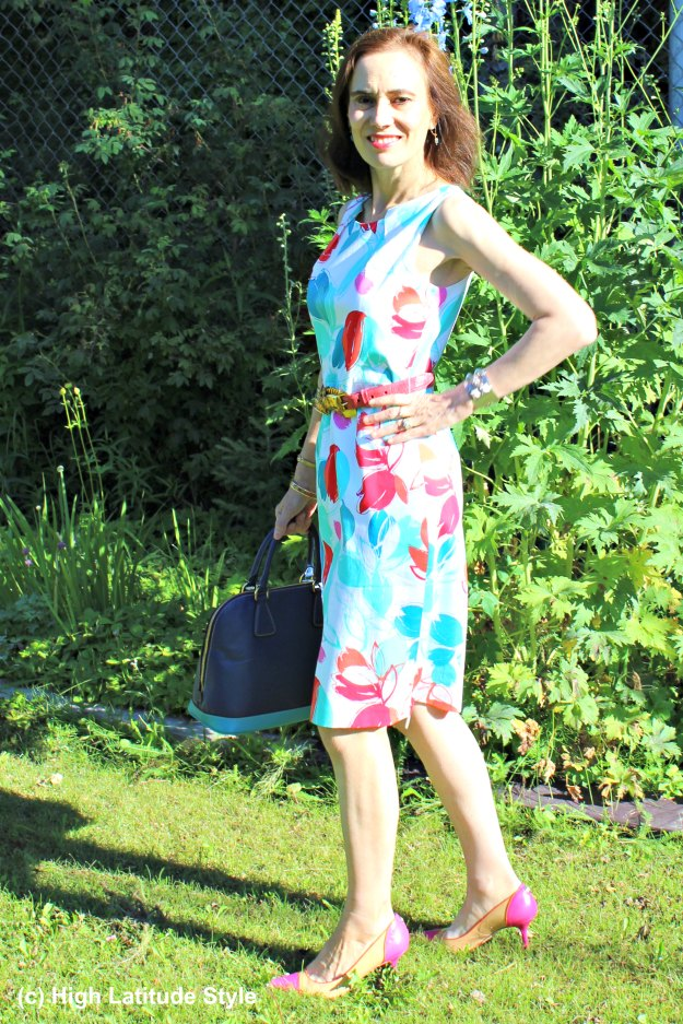 #styleover40 mature woman in floral delivery trend