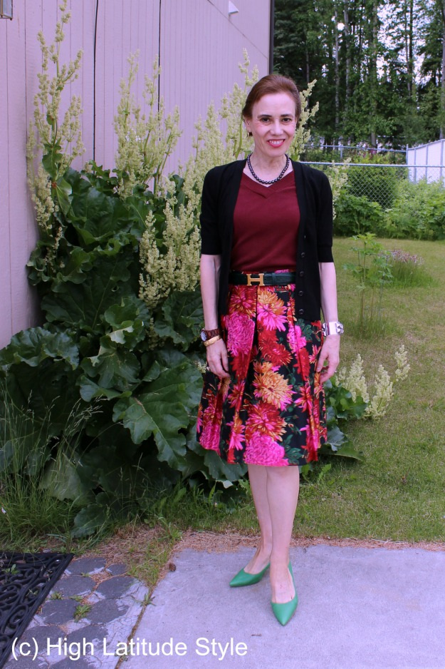 #fashionover40 mature woman in floral skirt for work @  http://wp.me/p3FTnC-52V