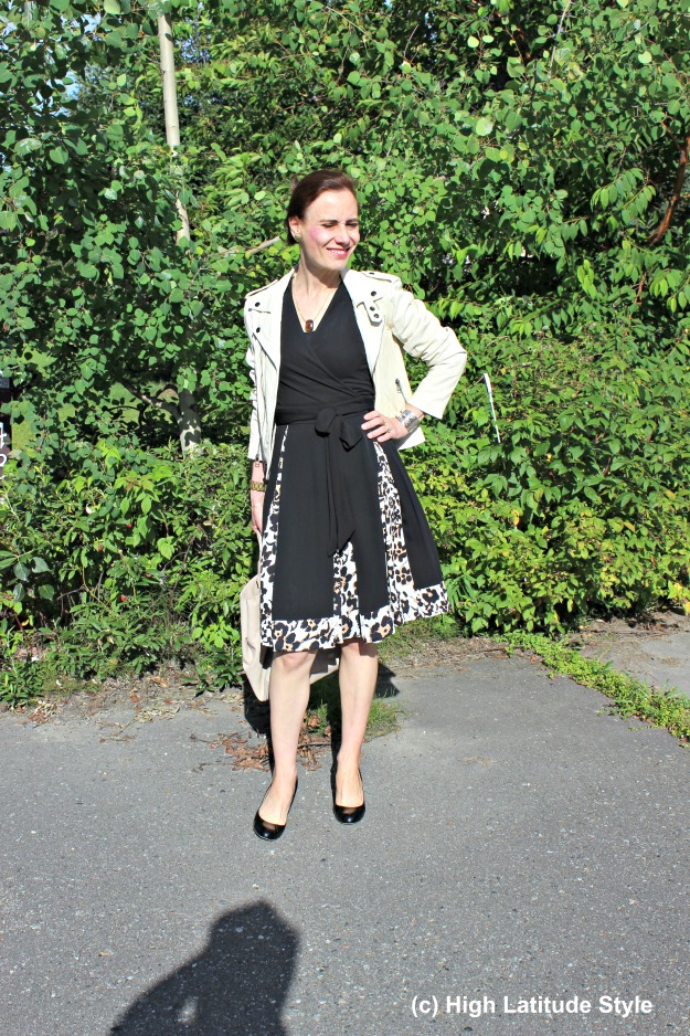 #fashionover50  mature woman wearing an instant outfit