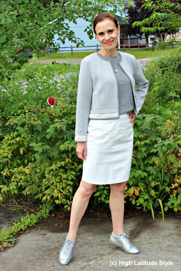 #fashionover50 mature woman in monochromatic fall look