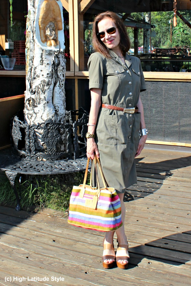 #styleover40 40+ woman in summer work outfit with wood sandals