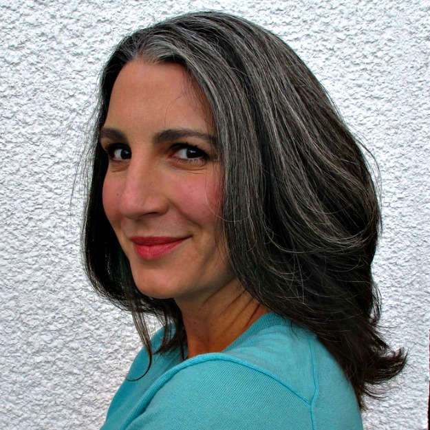 #grayhair #beautyover40 beautiful gray hair