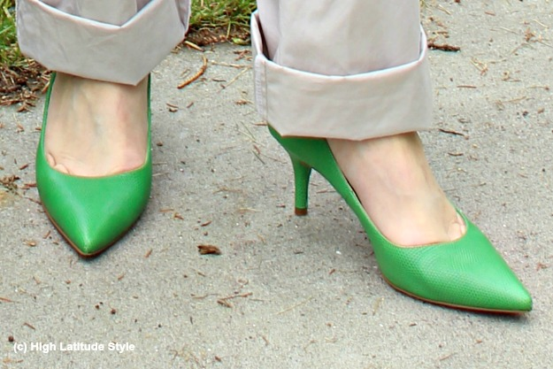 #fashionover50 Kelly green pumps