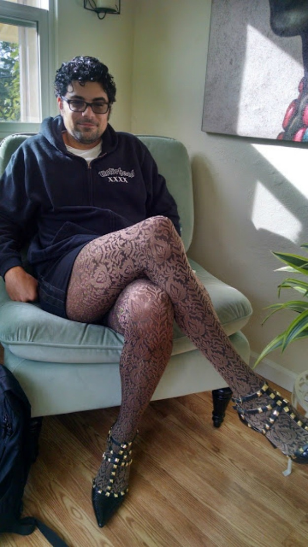 #TopOfTheWorldStyle cohost Jonathan, blogger at The Hosiery Spot