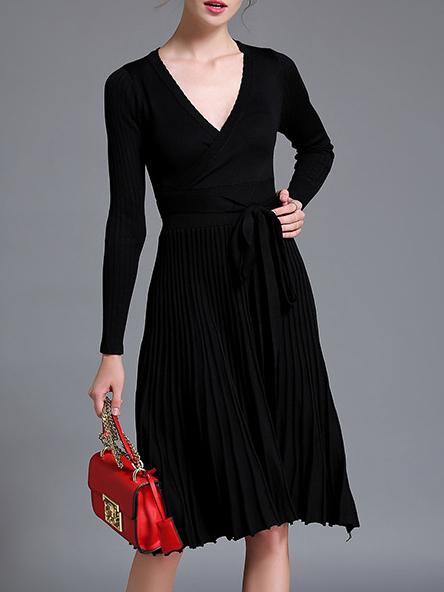 Black V neck knit pleated tie-waist dress