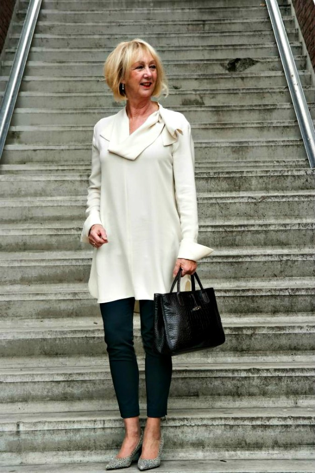 #fashionover60 Greetje in dress-over-pants look