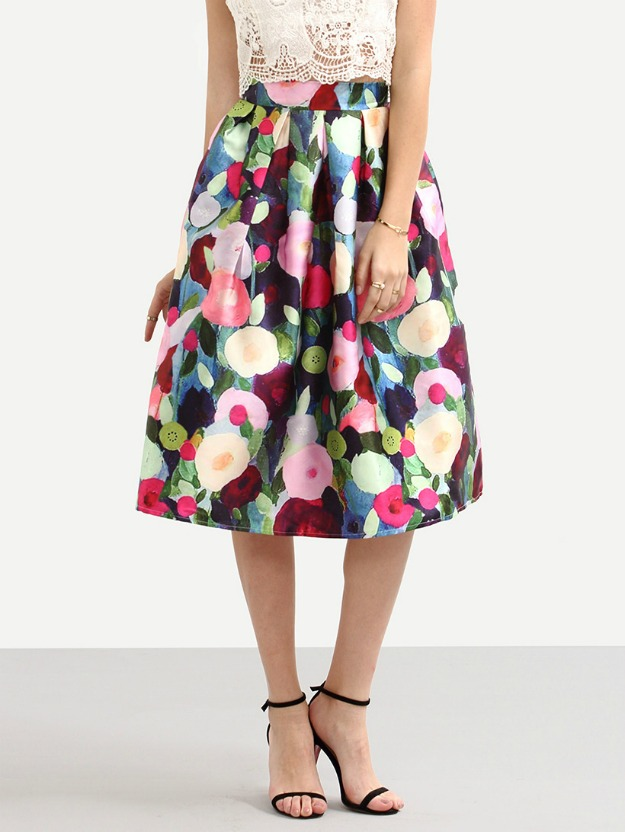 abstract flower print provides ageless style