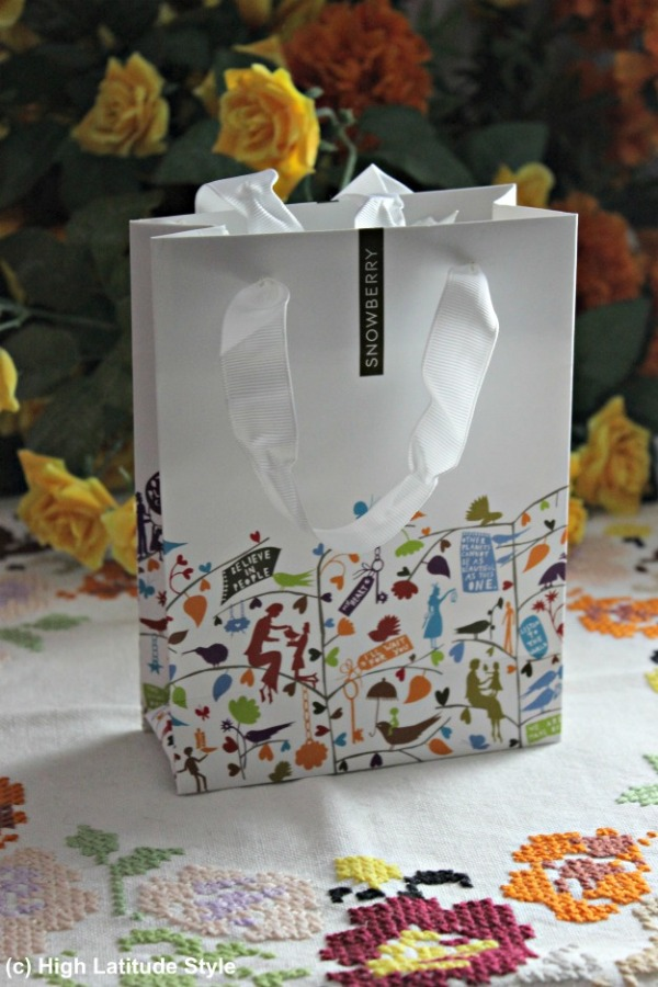 #Snowberry gift bag for anti-aging serum