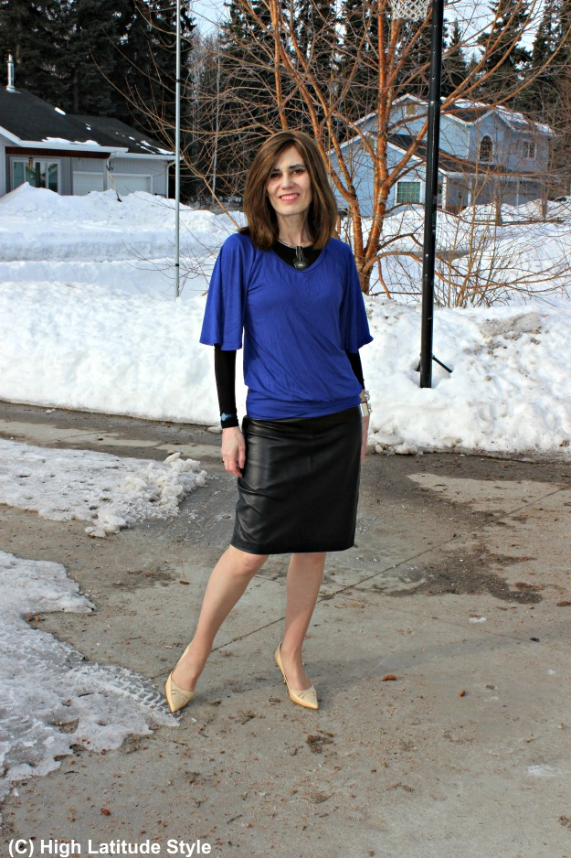 fashion over 50 woman in office outfit