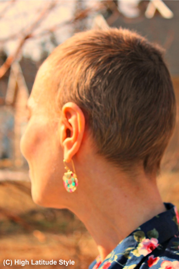Uno All Volta iridescent ear jewelry