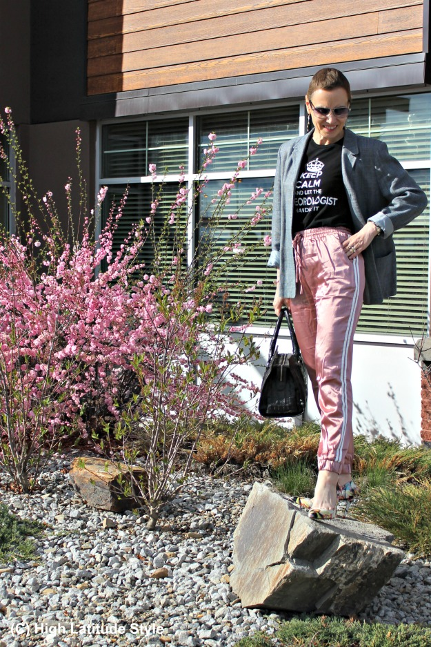 fashion over 40 woman in joggers and blazer