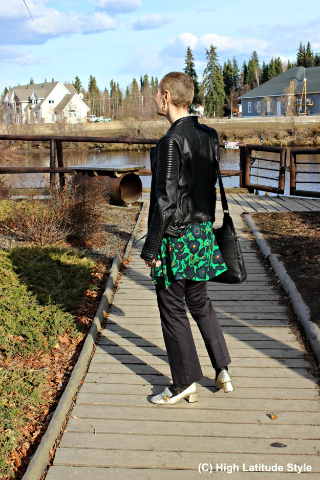 Style over 40 woman in Casual Friday outfit